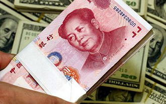 Employees from overseas ask to be paid in RMB